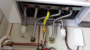Collegare i tubi dei termosifoni alla caldaia di casa - Montaggio stufa a pellet idro ...