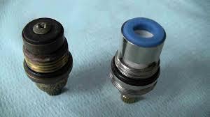 Cambiare il vitone della valvola di chiusura acqua - Valvola chiusura acqua bagno ...